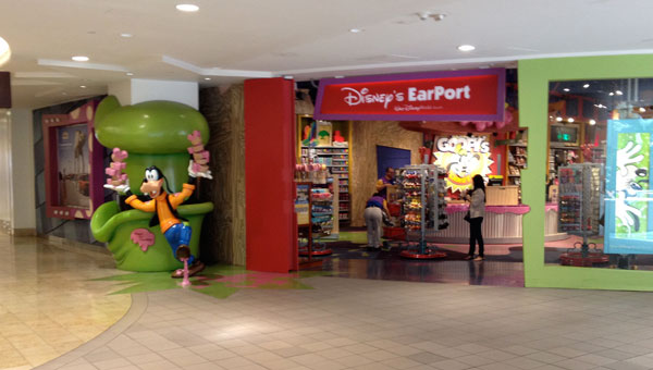 Disney Store the Earport in Orlando International Airport