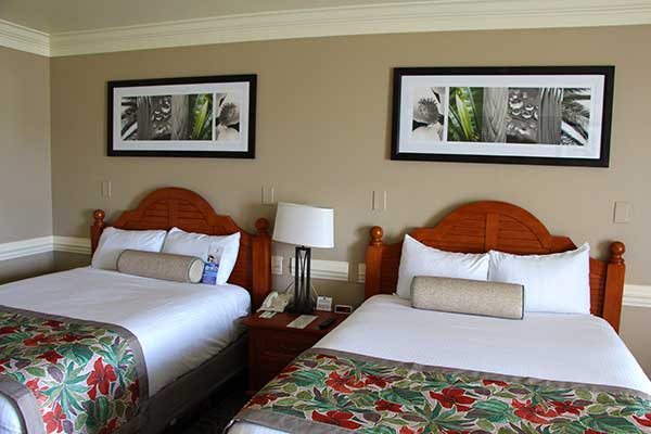 Shades-of-Green-Room-Beds3