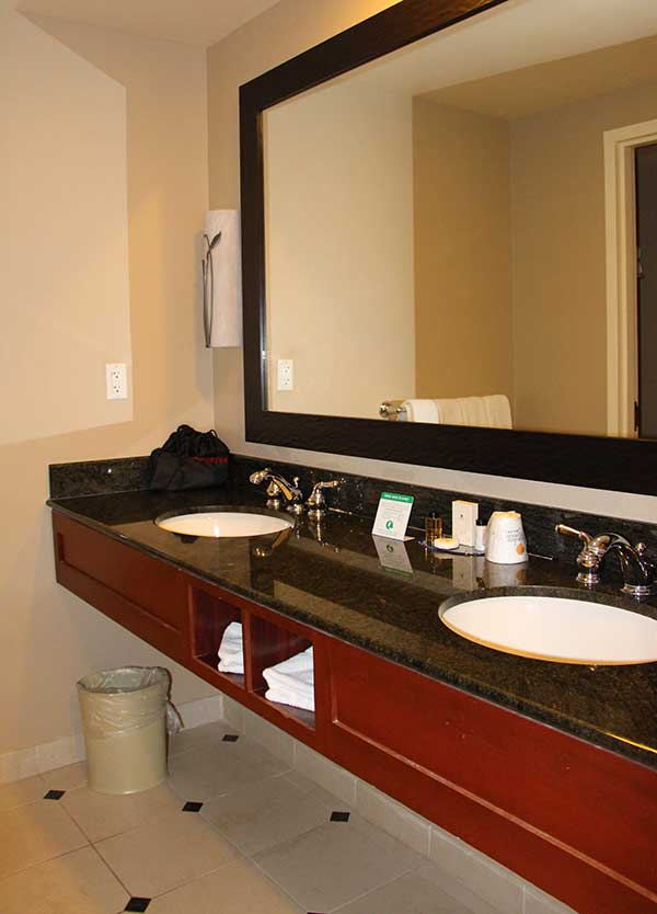 Shades-of-Green-Room-SInks
