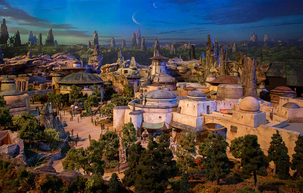Star-Wars--Galaxy's-Edge (C) Disney