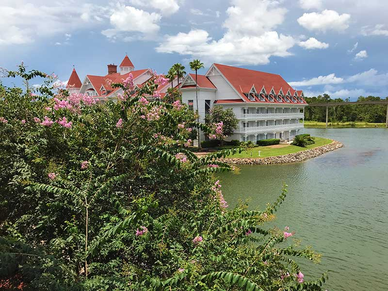 Military Discounted Hotel and Resort Overview for Walt Disney World - Disneyland - Universal Studios - SeaWorld